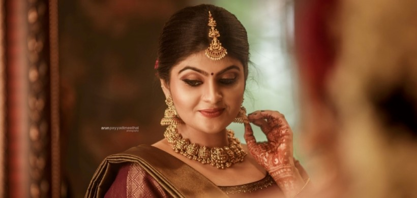 South Indian bride In gold temple jewellery