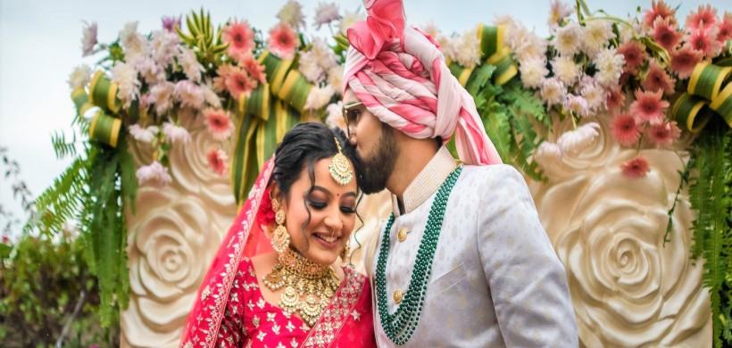 romantic-shot-of-the-happy-couple