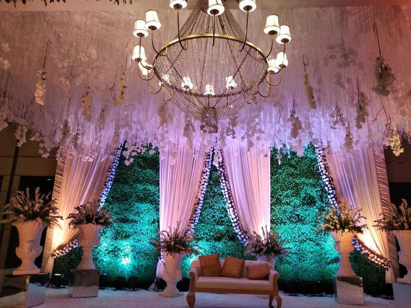 floral banquet hall wedding decor
