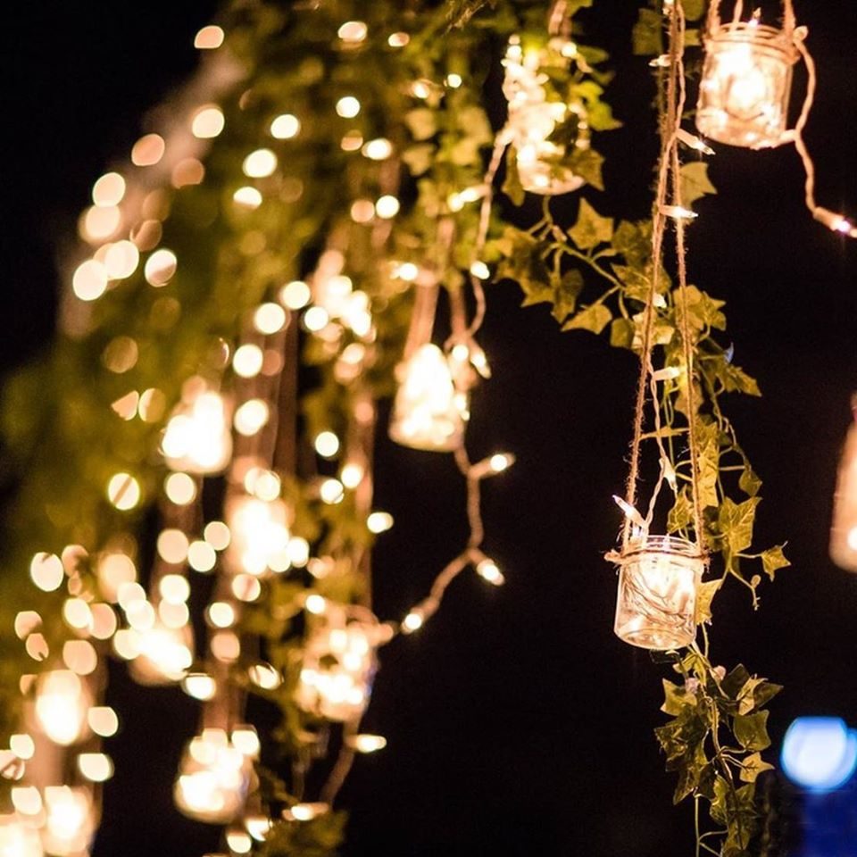 wedding light theme in gold