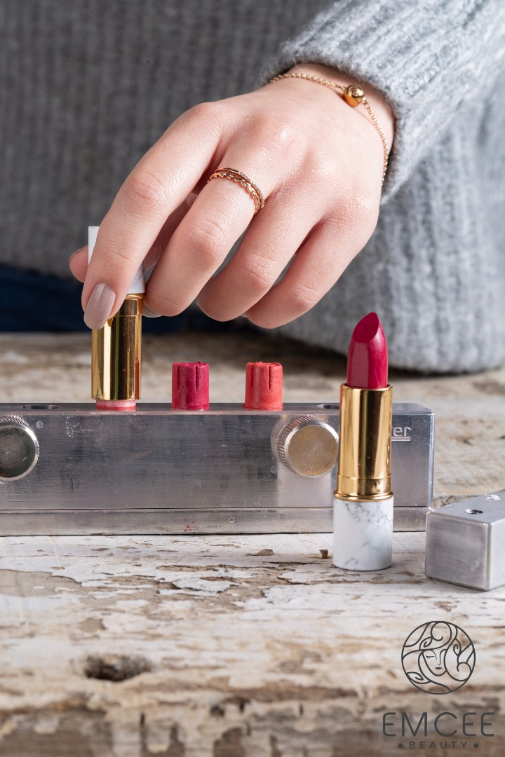 Customized Lipsticks Moulding