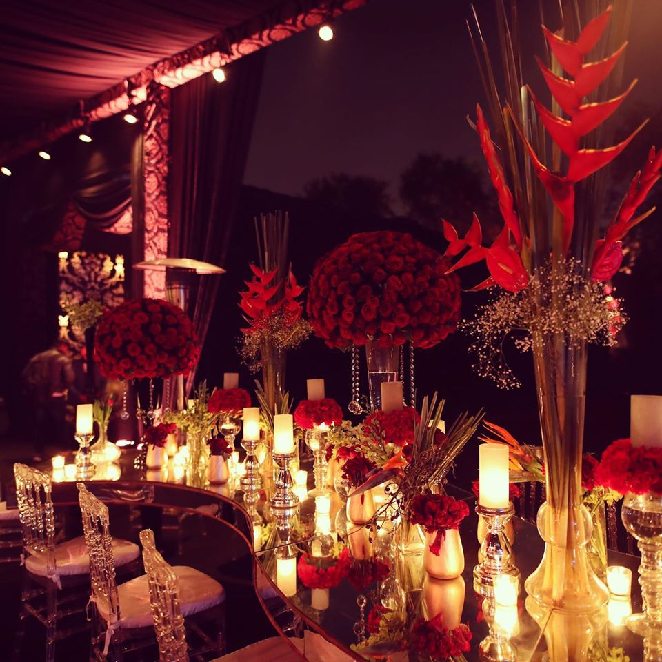 reception hall decoration idea with red roses