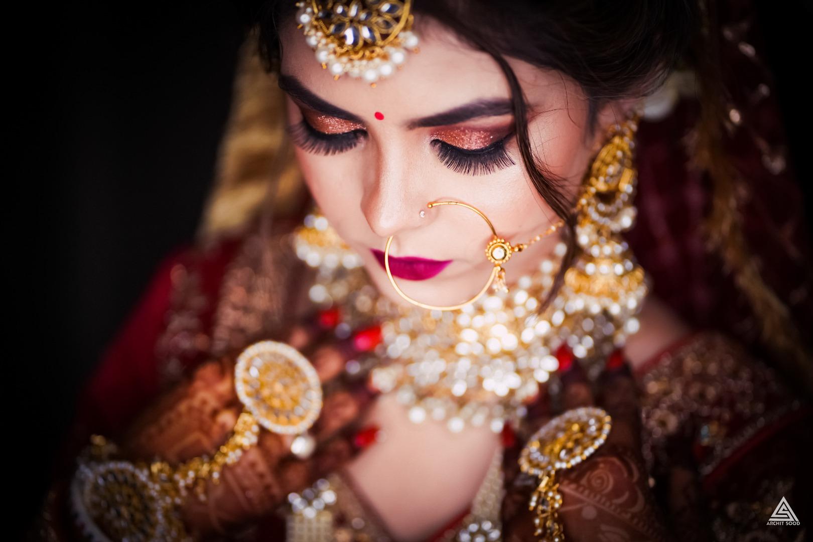 stunning metallic eye makeup