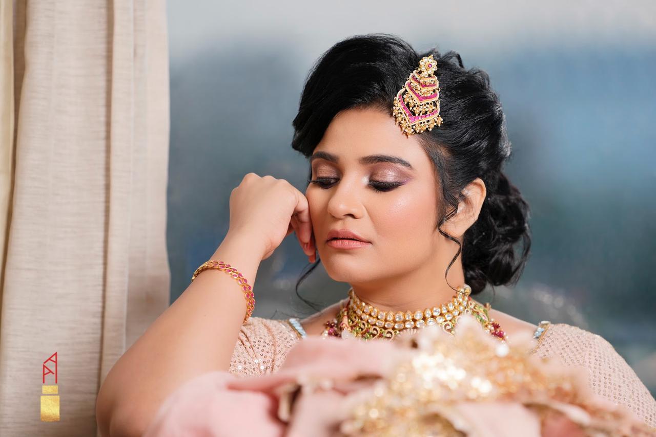bride in nude makeup