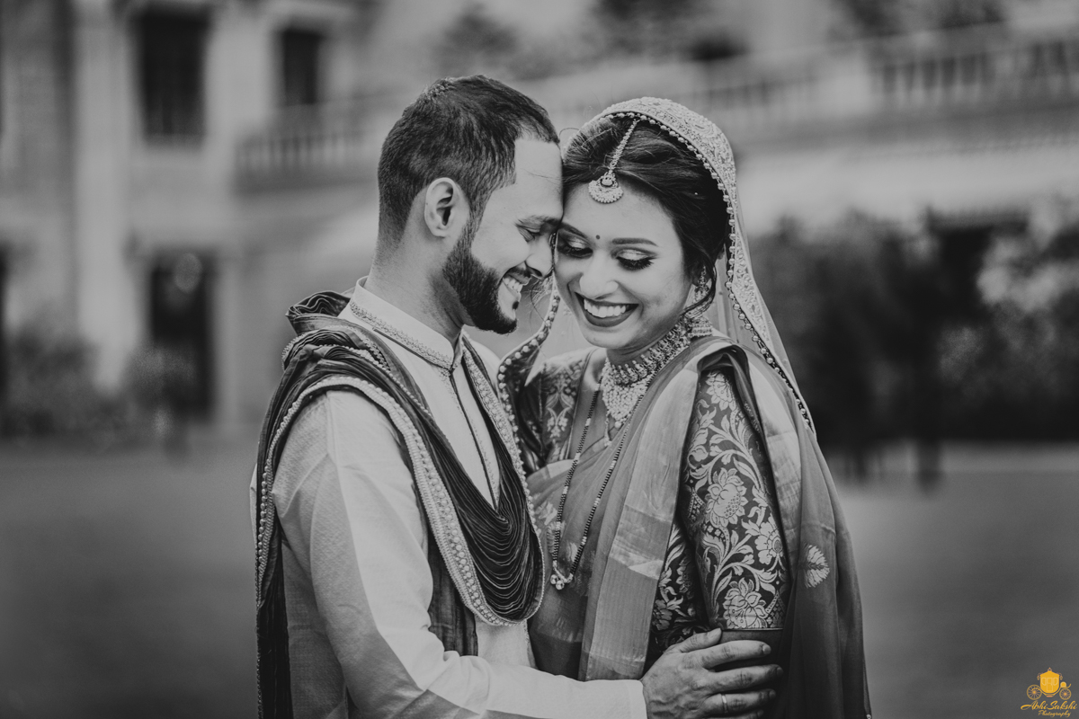 Black and White Newly Married Couple Photos