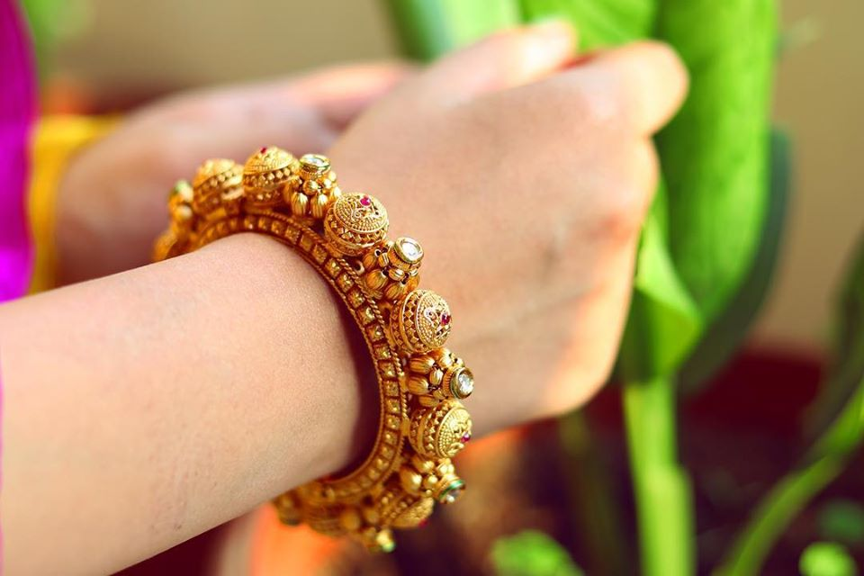 Traditional Gold Royal Bangle
