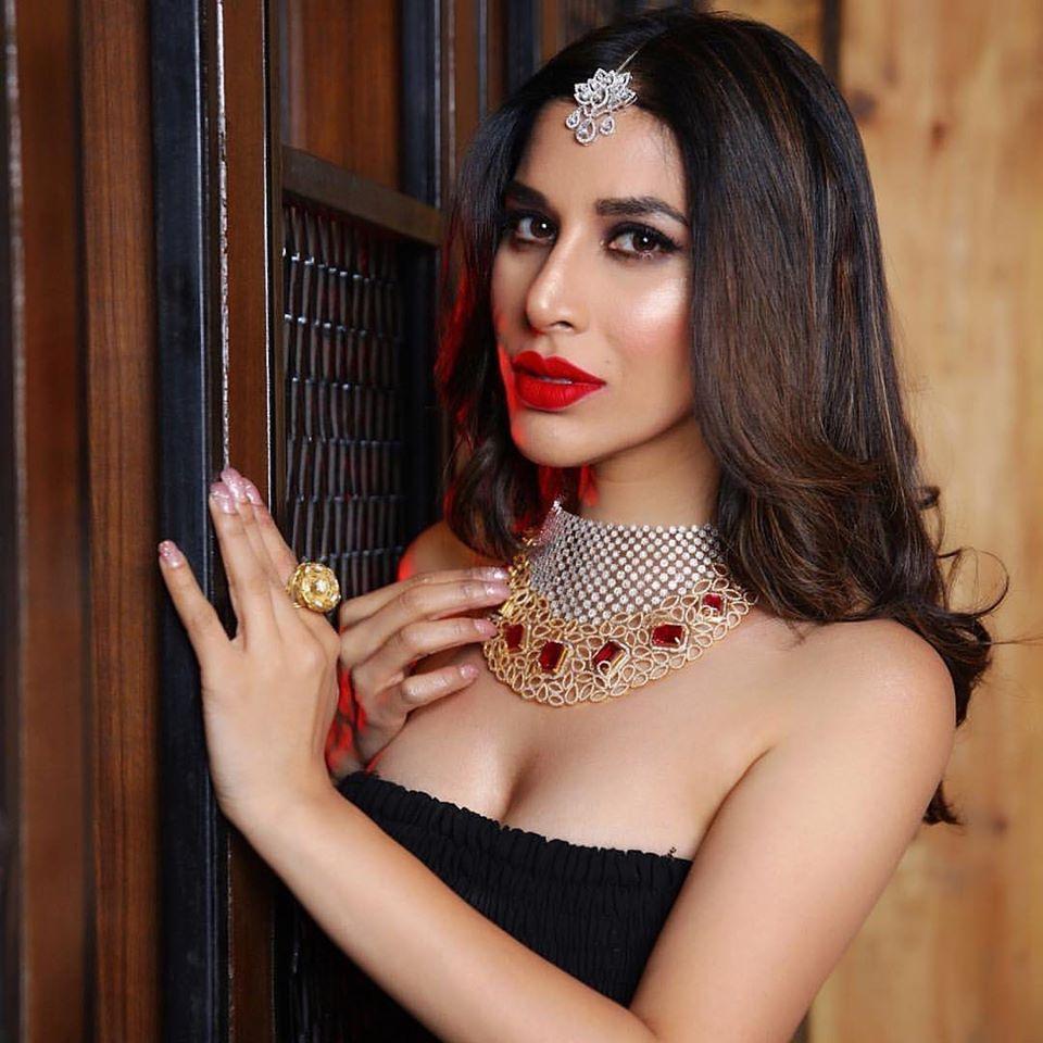 Sophie Choudry Makeup by Anubha Dawar
