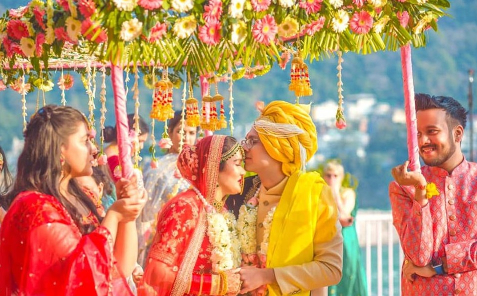 Bride & Groom Entry under Phoolon Ki Chaadar