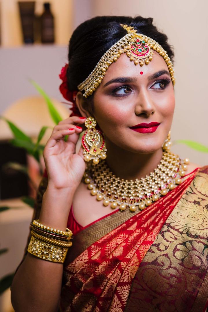beautiful south indian bride in a silk saree