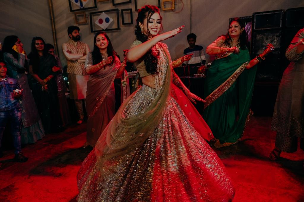 Bridal dance performance