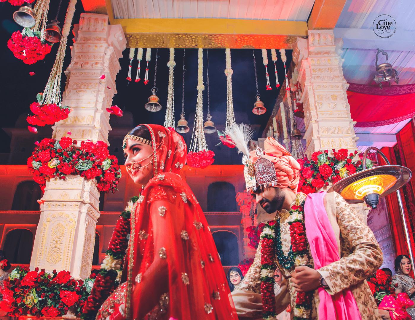 Bride & Groom in Indian Wedding Pheras Picture