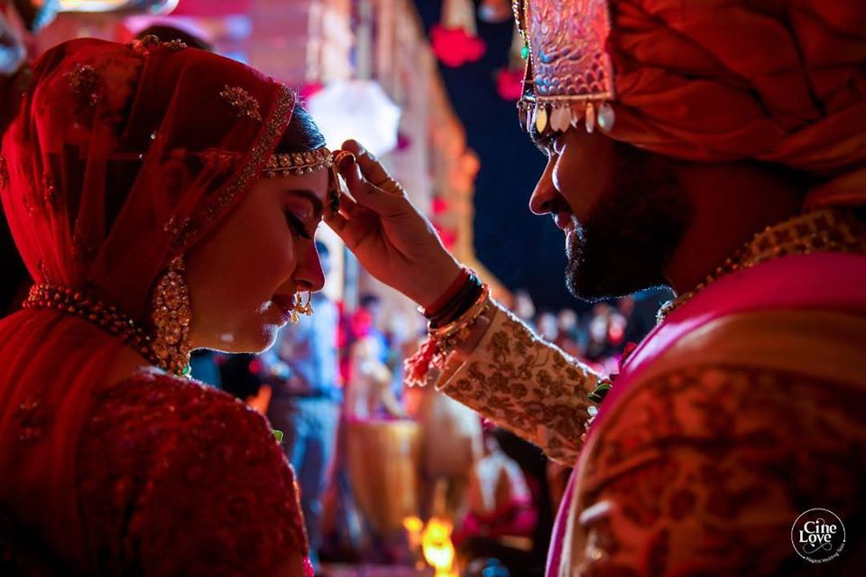 Indian Wedding Couple Sindoor Ritual Photography