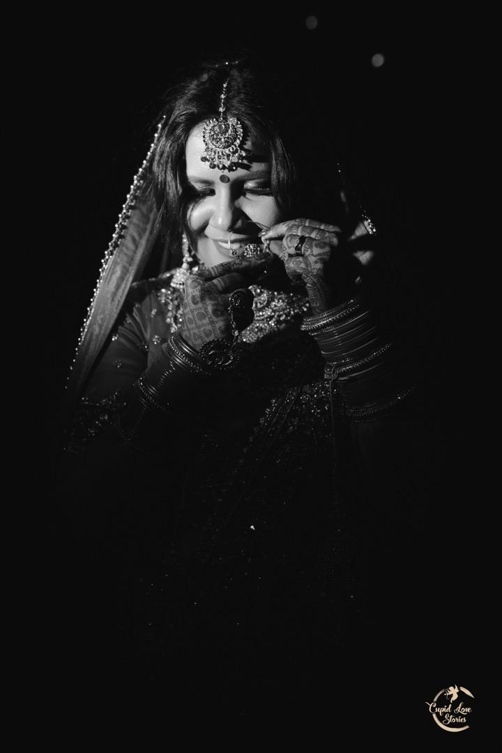 Black & White Indian Bride Picture