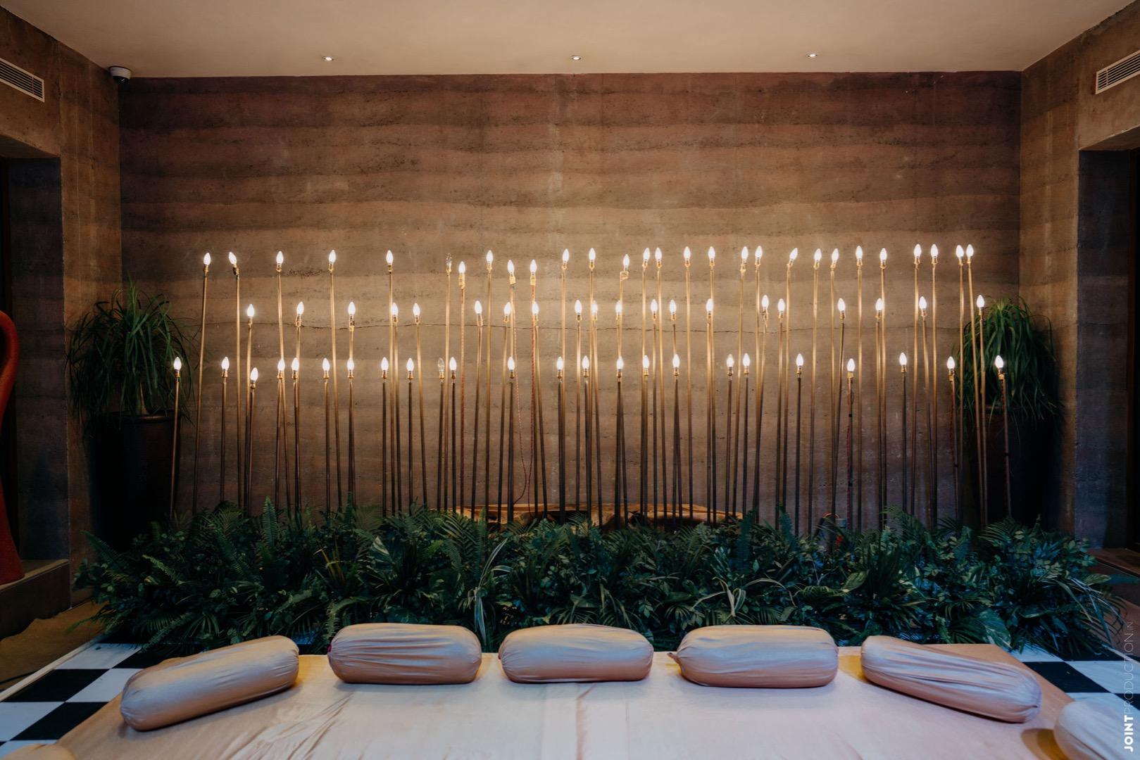 stunning candle lit decor