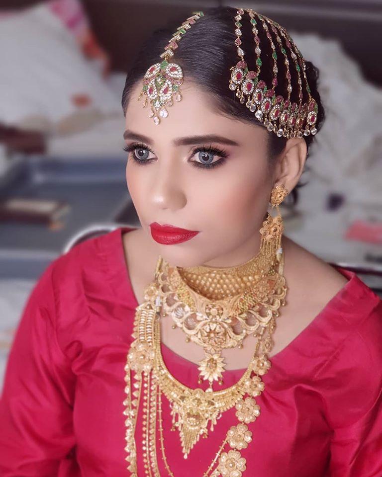Makeup Look with Red Saree