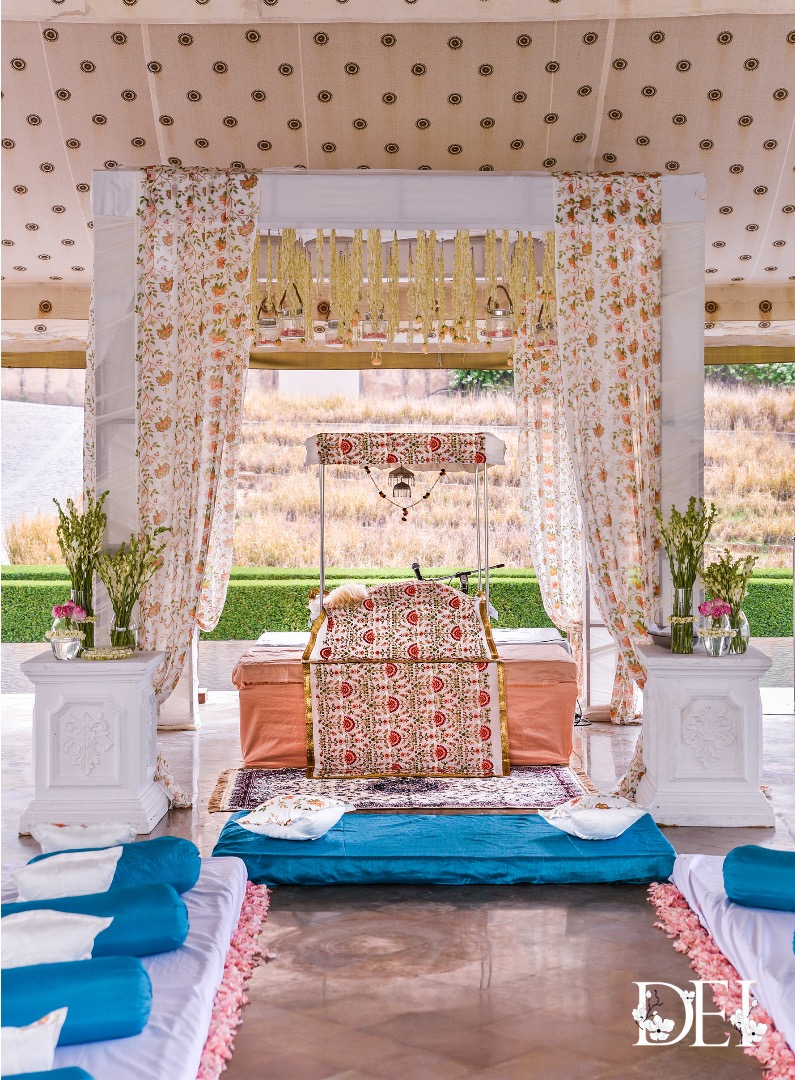Minimal Decor with Printed Drapes and White Flowers