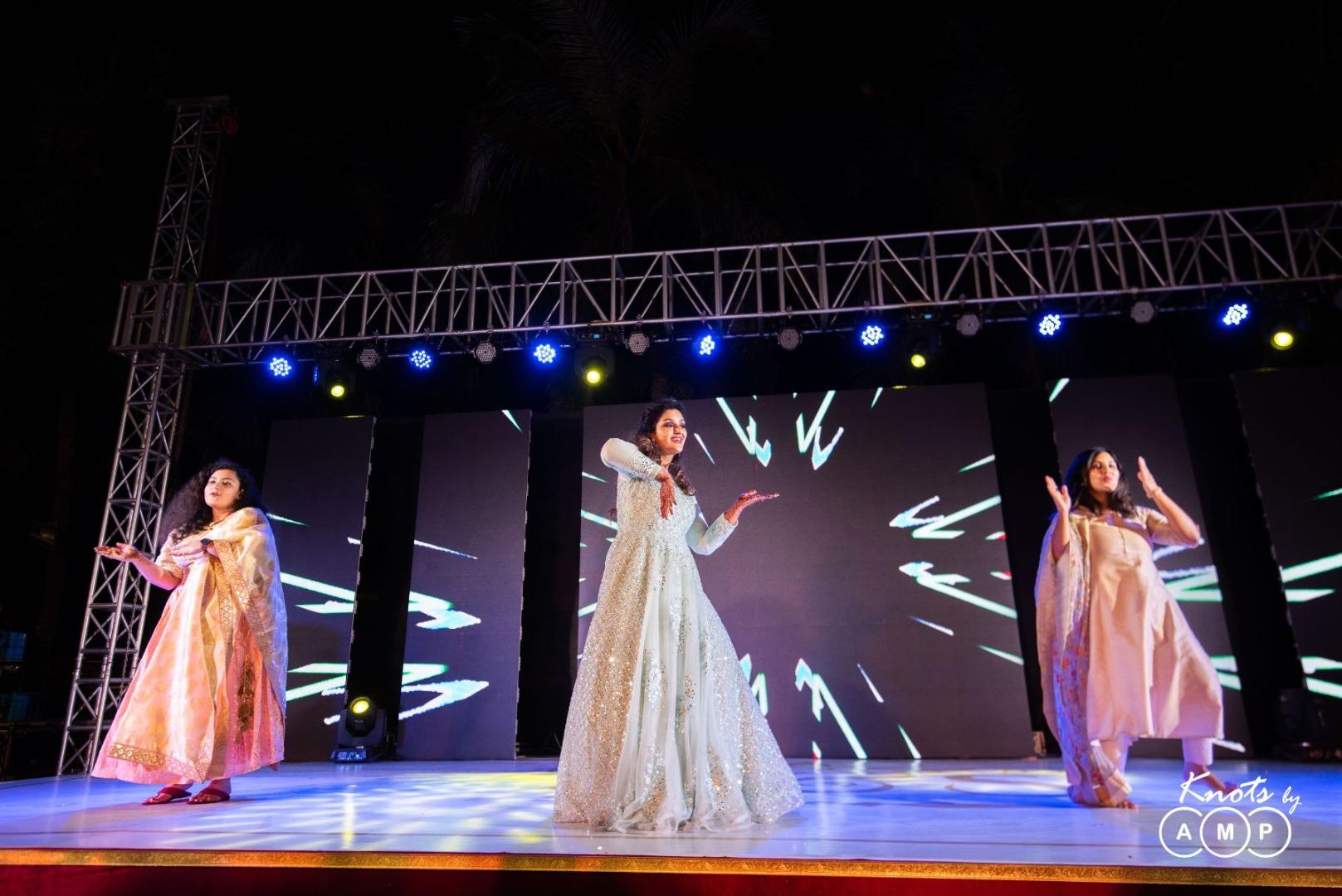 Bride & Bridesmaids Sangeet Dance