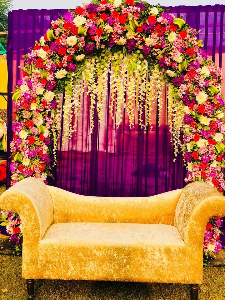 floral stage decoration idea