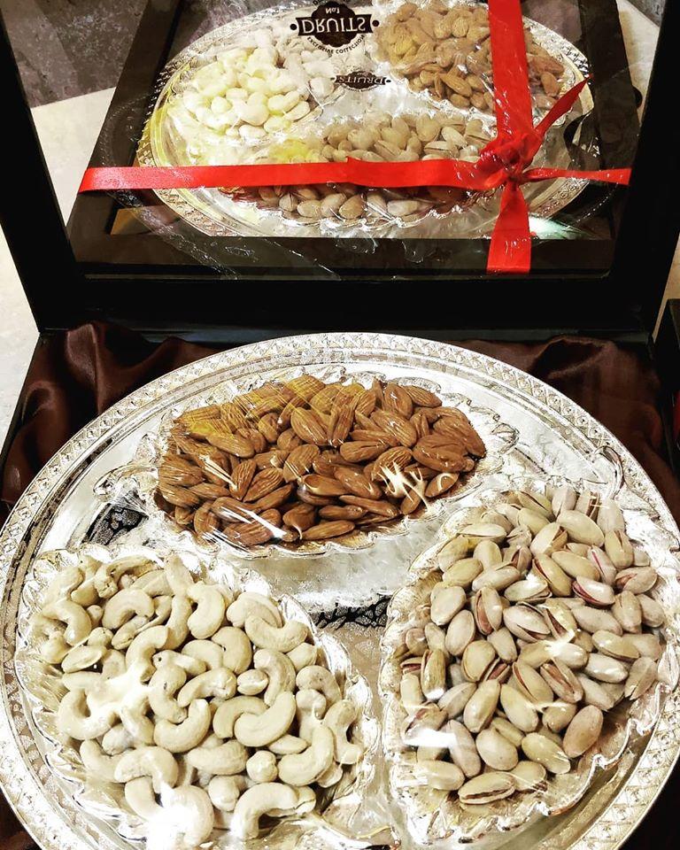 Wedding Favor Box with Almonds & Cashews