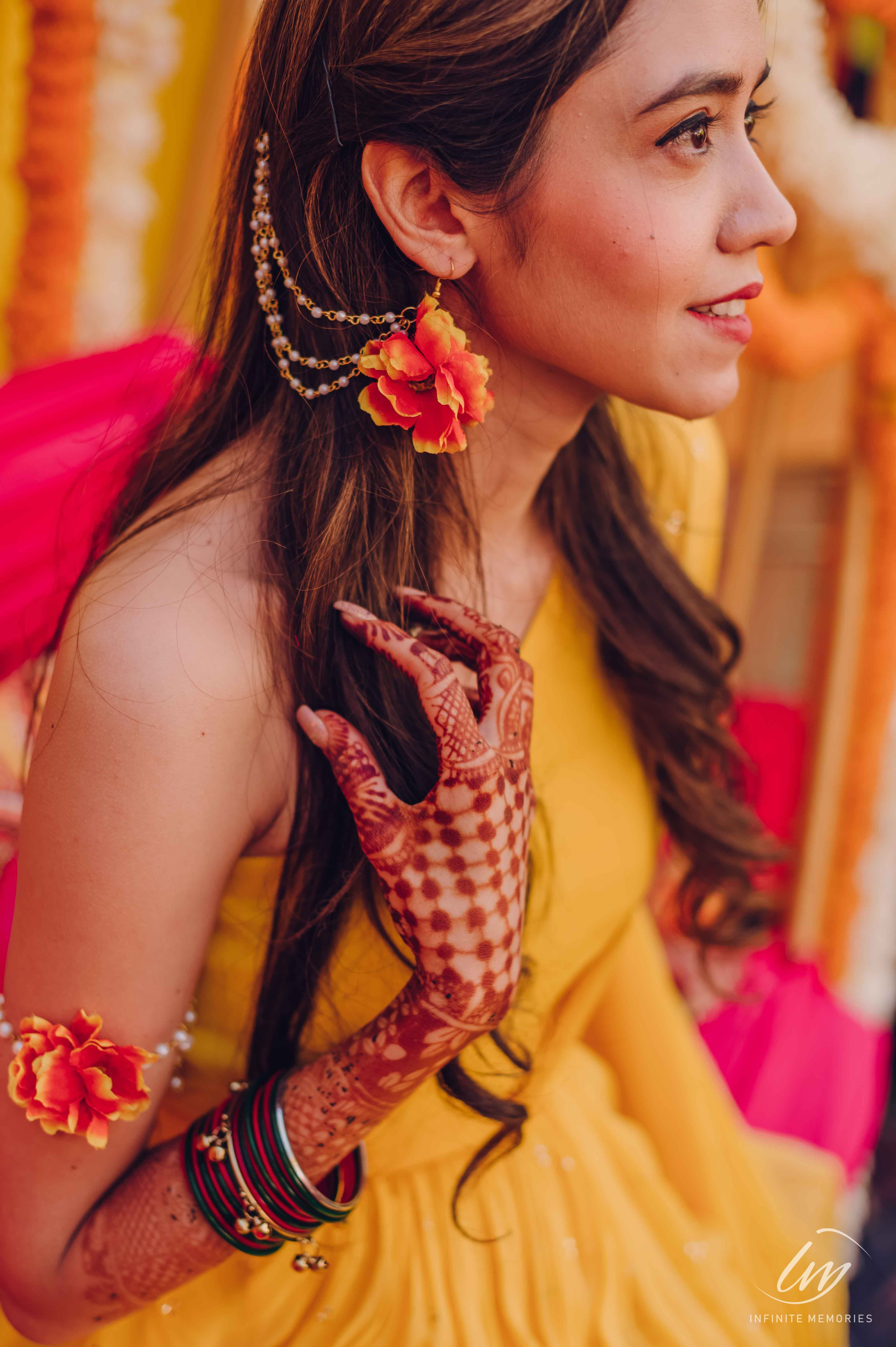 Flower accessory for haldi
