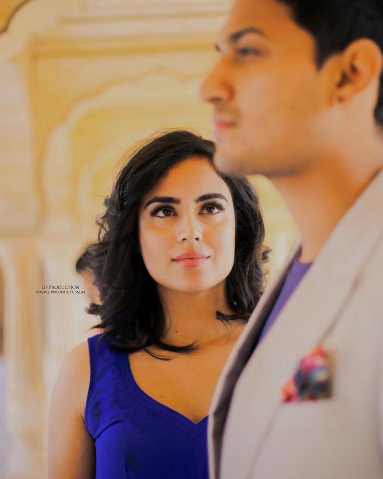 Beautiful Couple Pre wedding Photoshoot at Amer Fort Jaipur