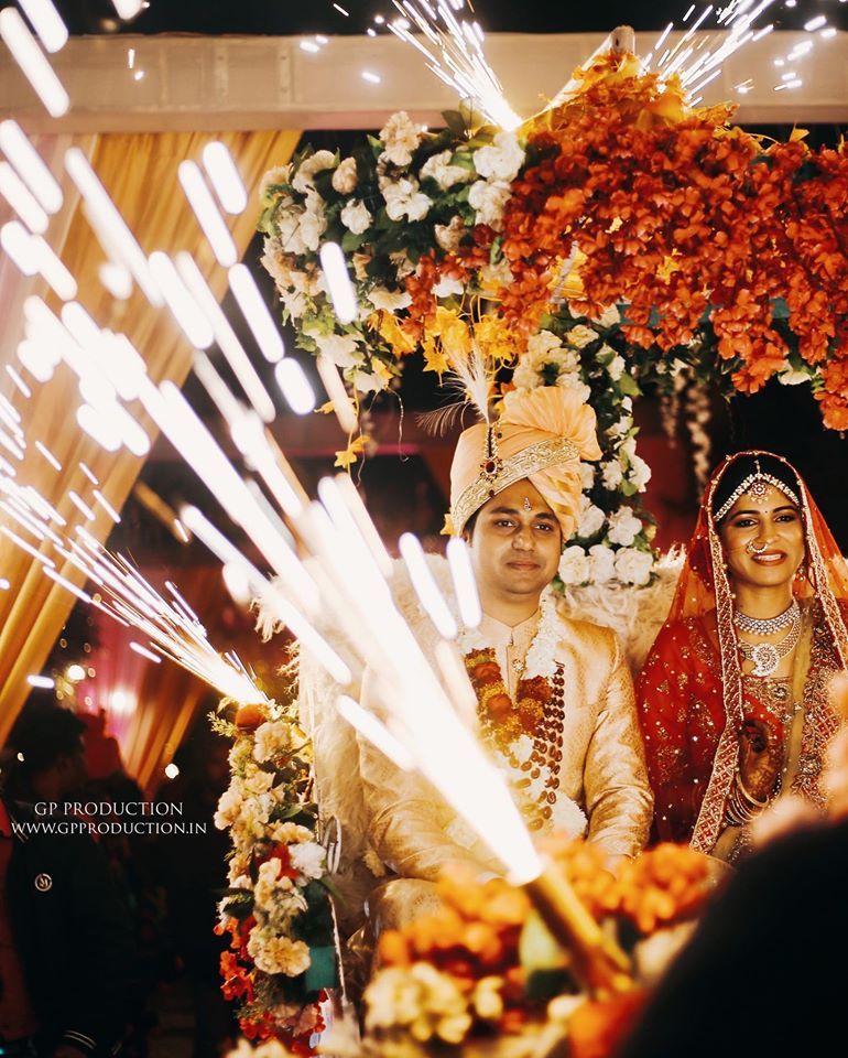 Indian Bride & Groom Grand Entry Picture