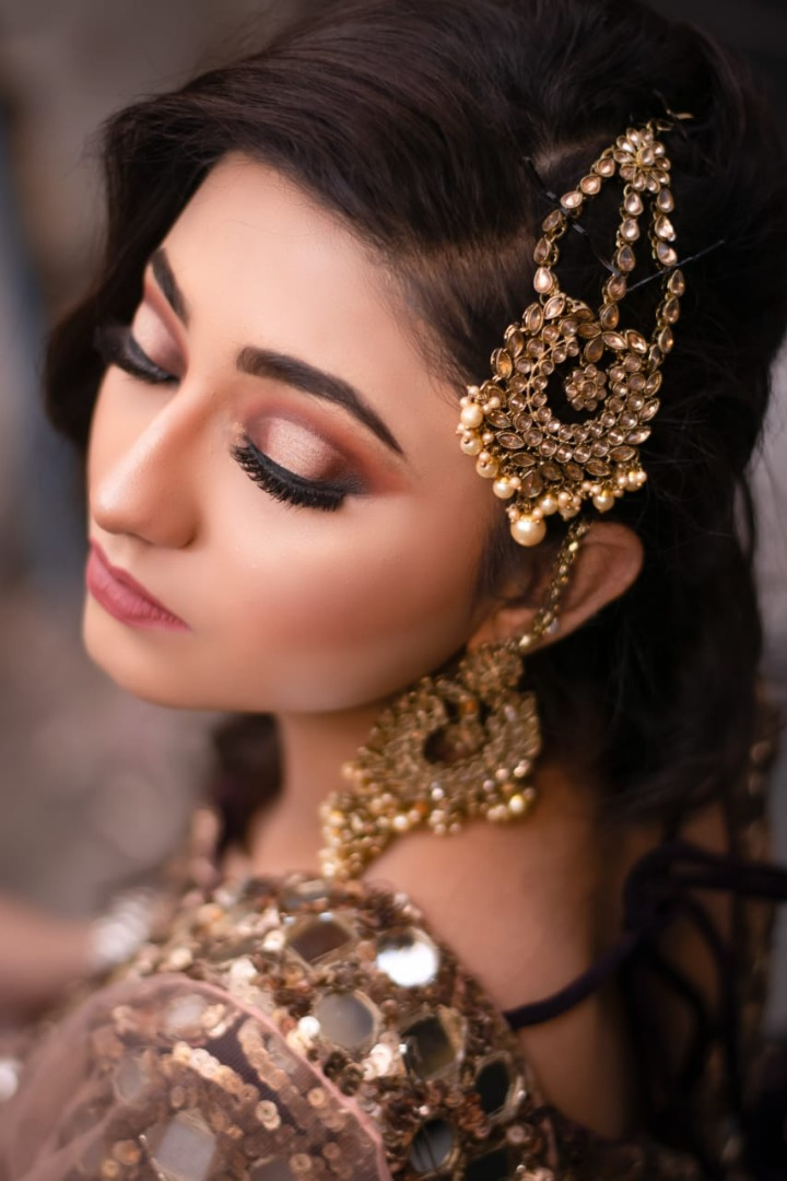 Smoky Eye Makeup for Engagement Ceremony