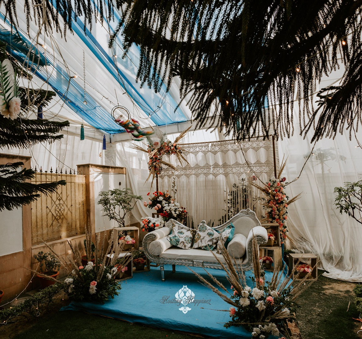 blue bohemian wedding decor