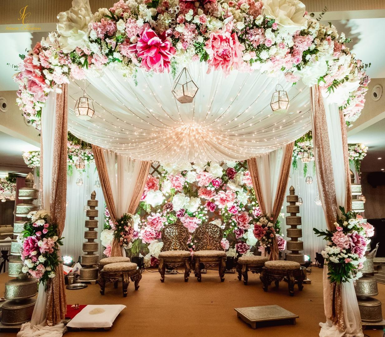 pastel colored mandap décor