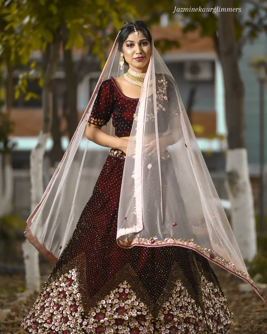 bride in a traditional lehnga