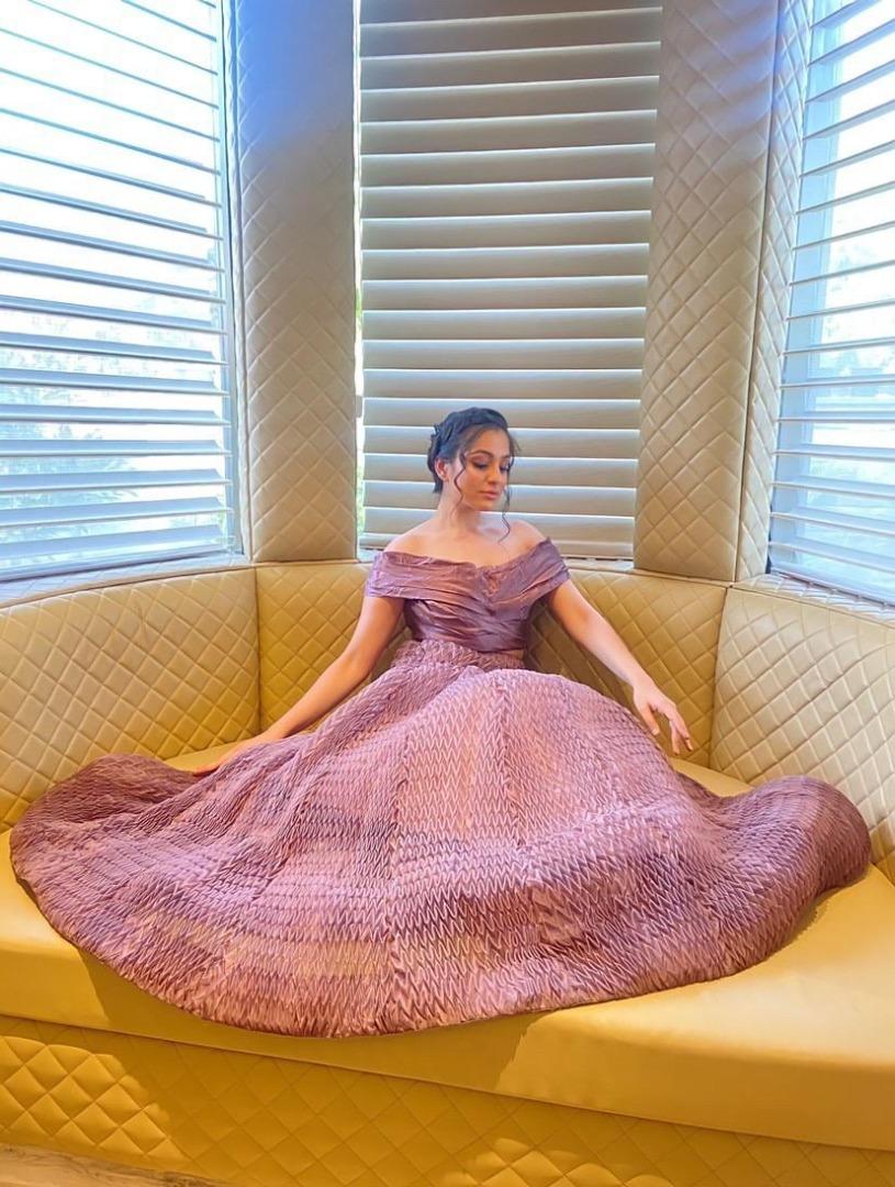 bride in off shoulder lavender gown