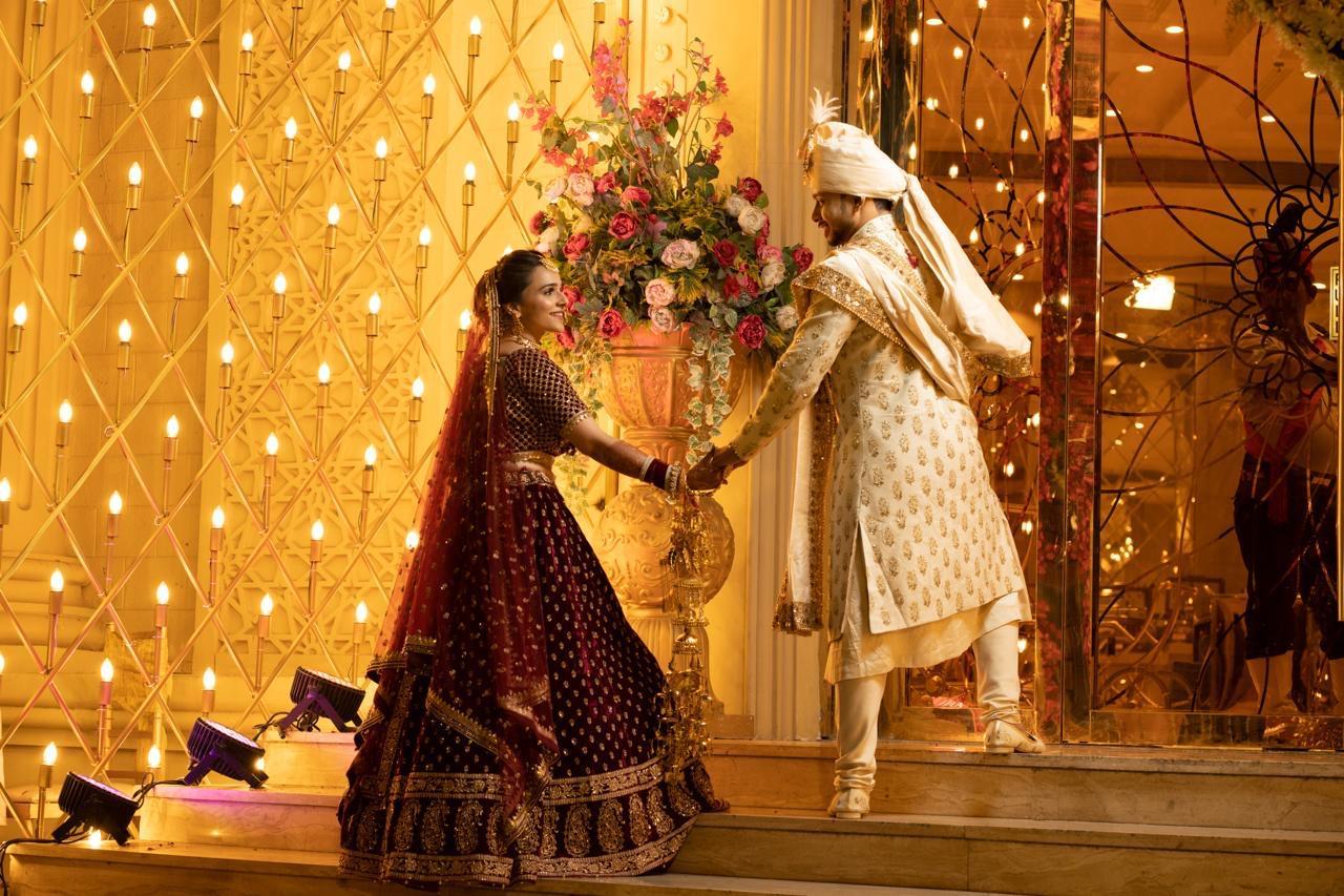 #couple #varmala #stagesetup