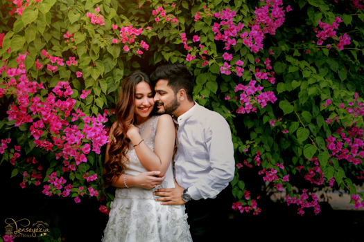 stunning outdoor pre-wedding shoot