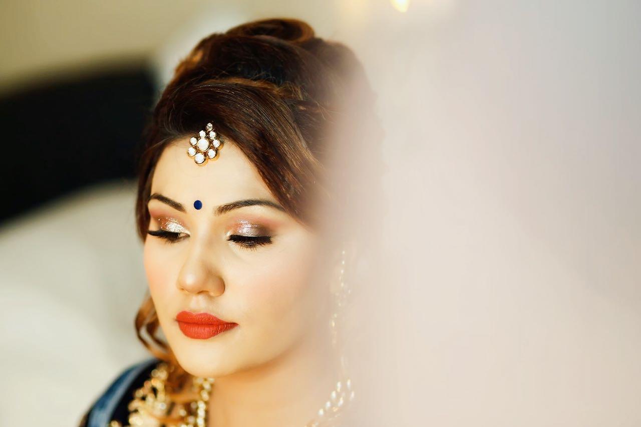 Glitter Eyes & Red Lips Bridal Makeup