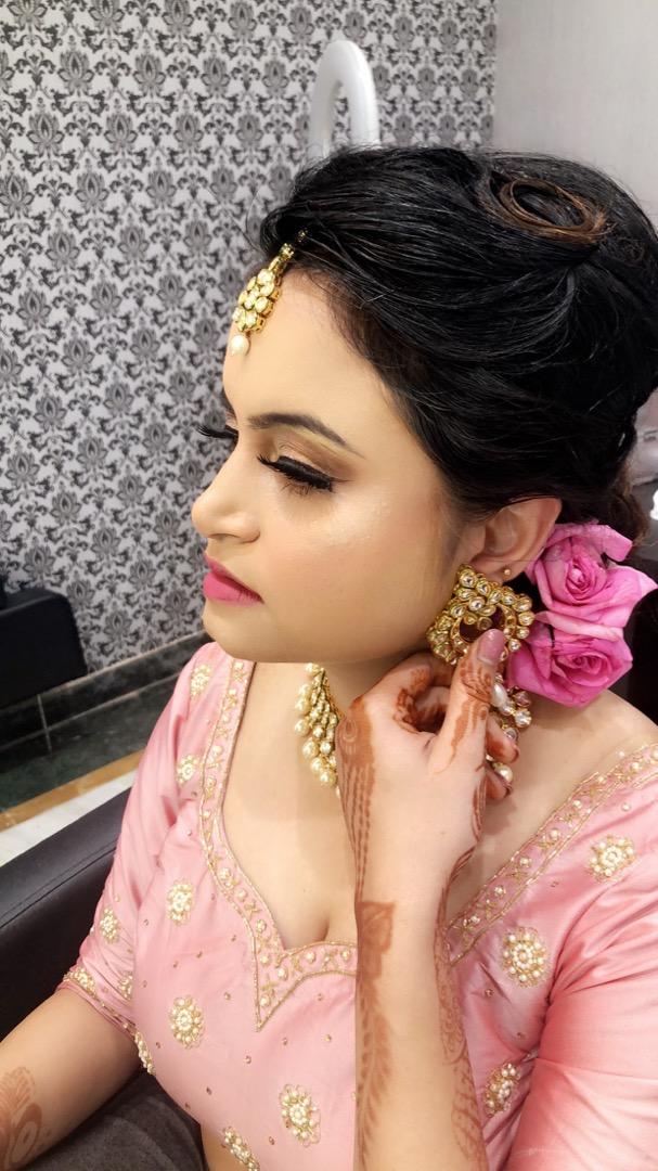 Natural Makeup with Pink Lehenga