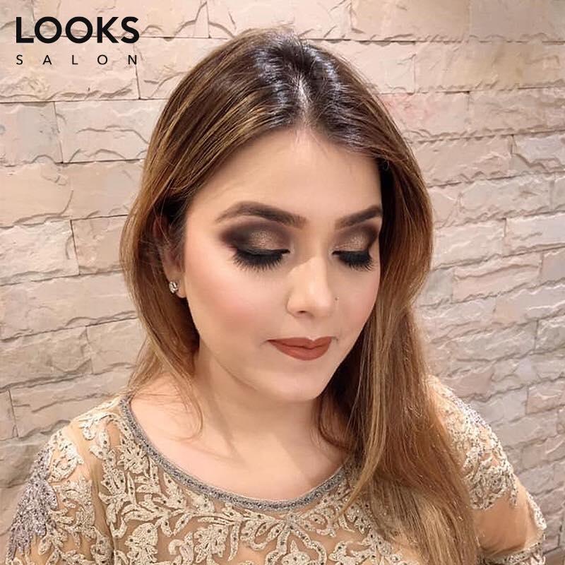 Smoky Golden and Black Eyes Makeup
