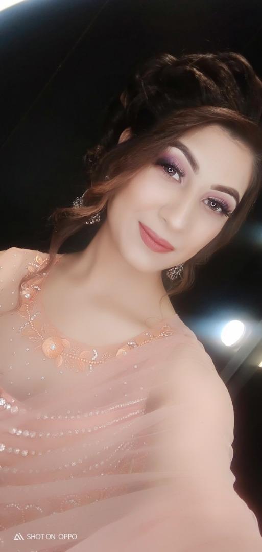 soft nude makeup