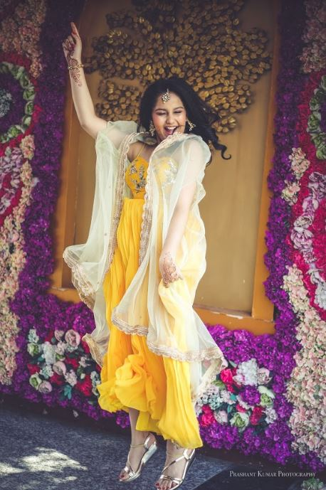 Jumping Bride in Yellow