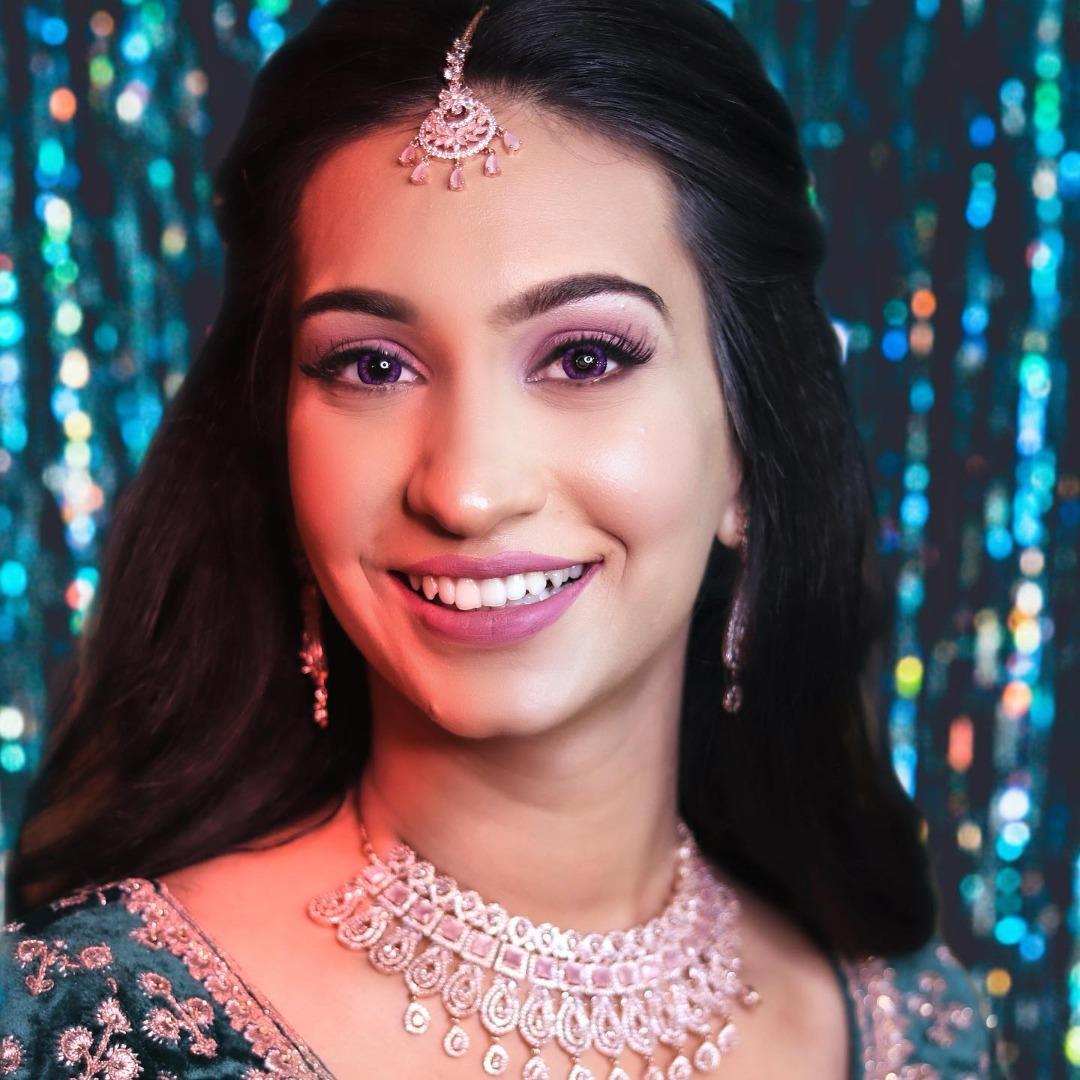 bride in pink natural bridal makeup
