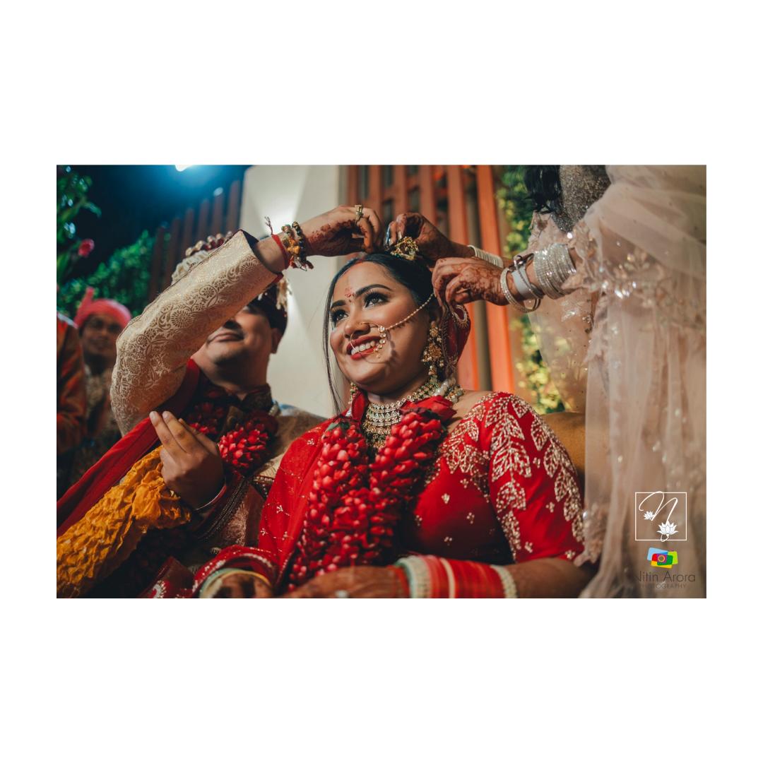bride at her sindoor ceremony