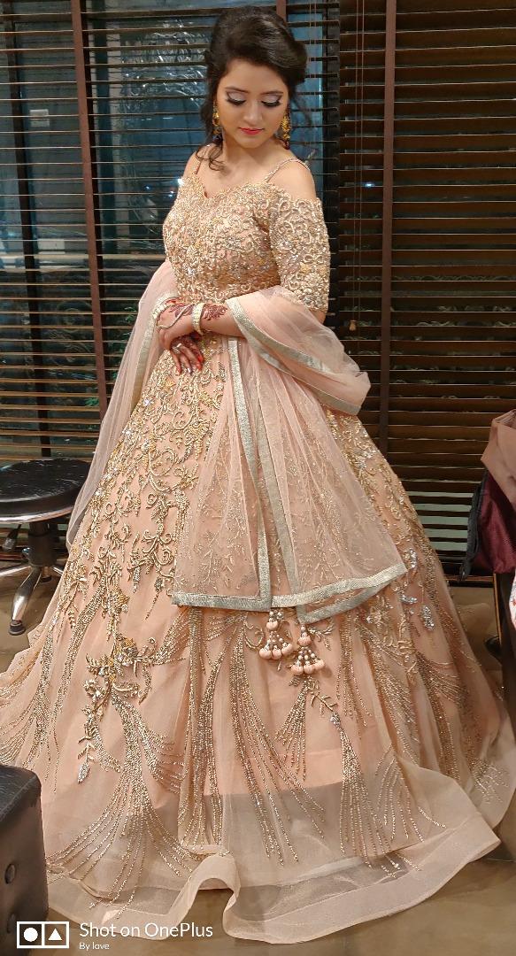 bride in stunning pastel gown