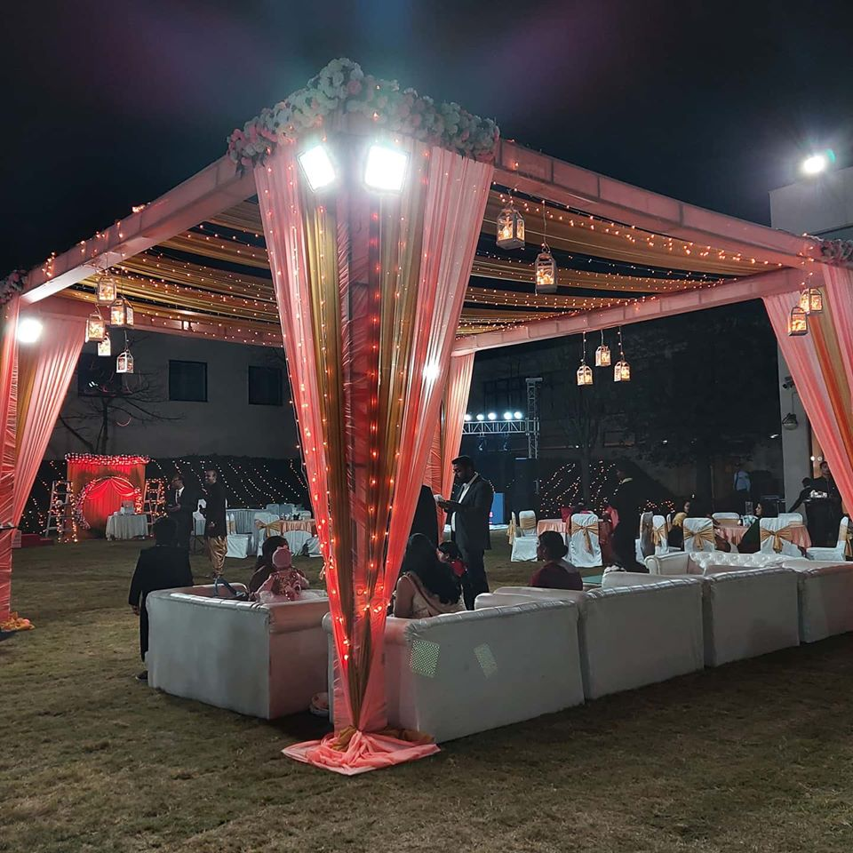 wedding decoration red and white