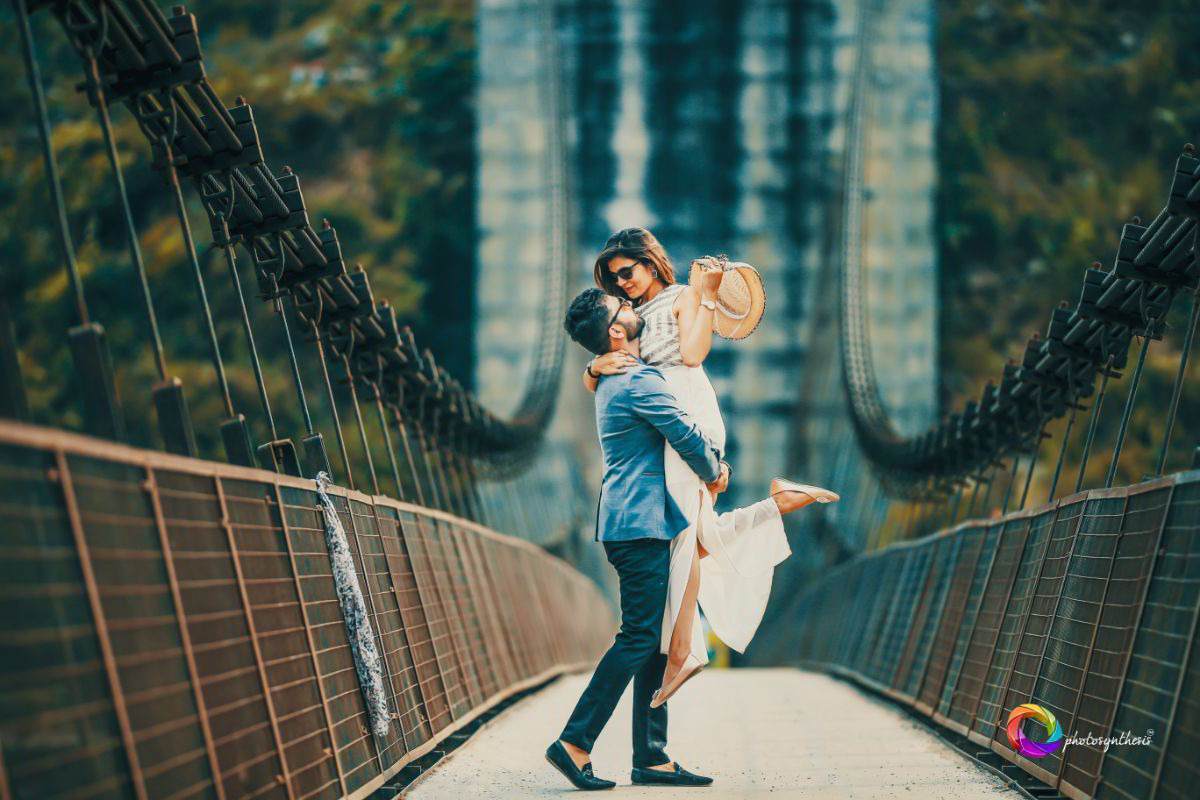 Pre Wedding Photography on a Bridge