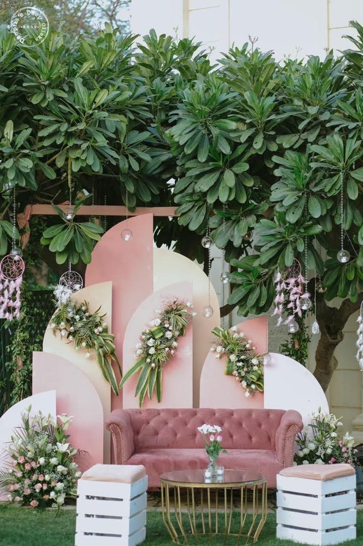 pink outdoor wedding decor