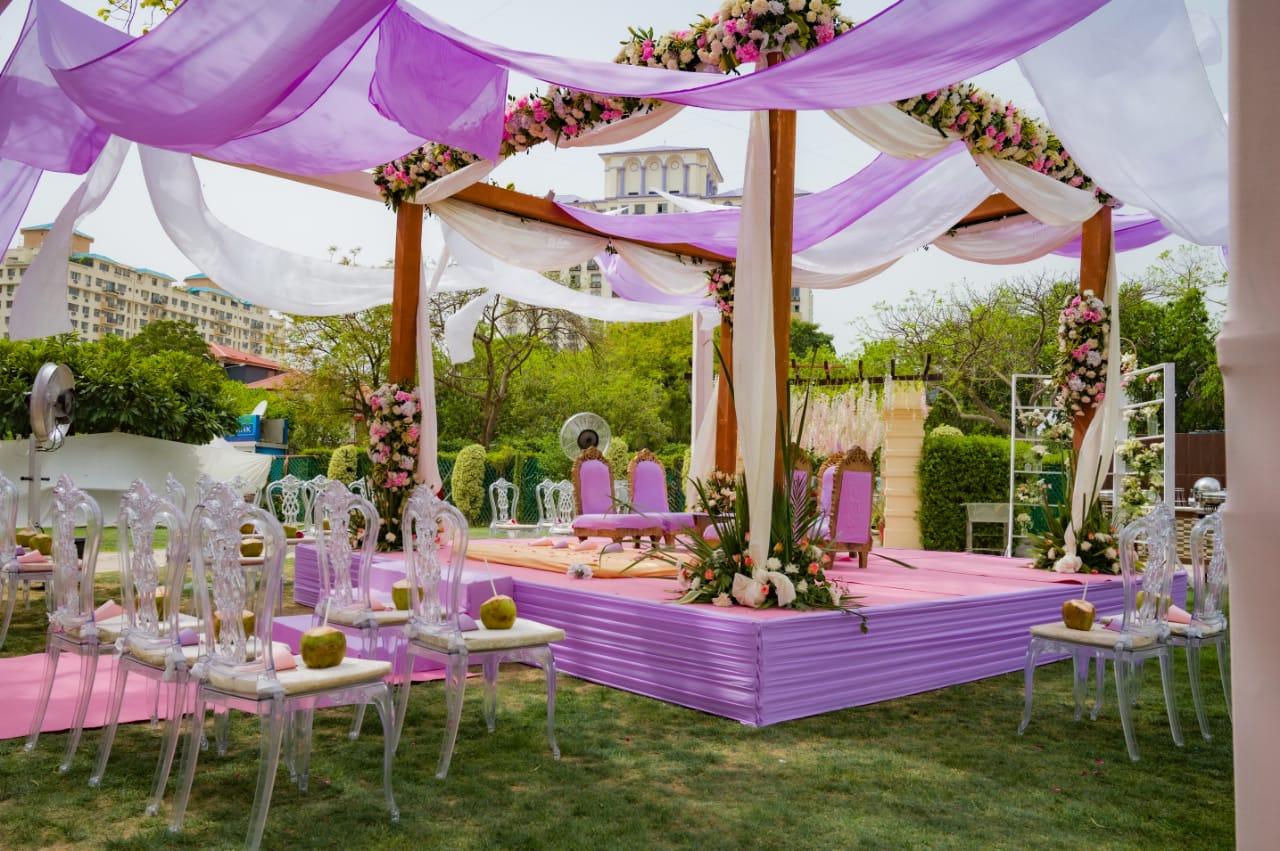 lavender mandap décor