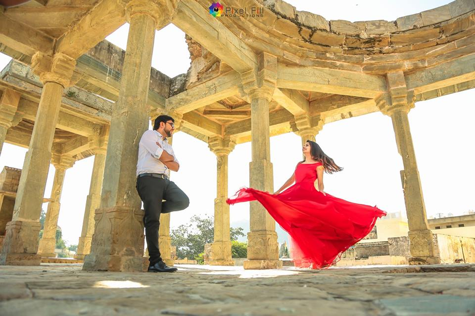 Pre Wedding Photography in old forts & Buildings