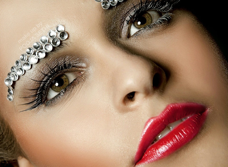 Beaded Eyebrow for Party Makeup