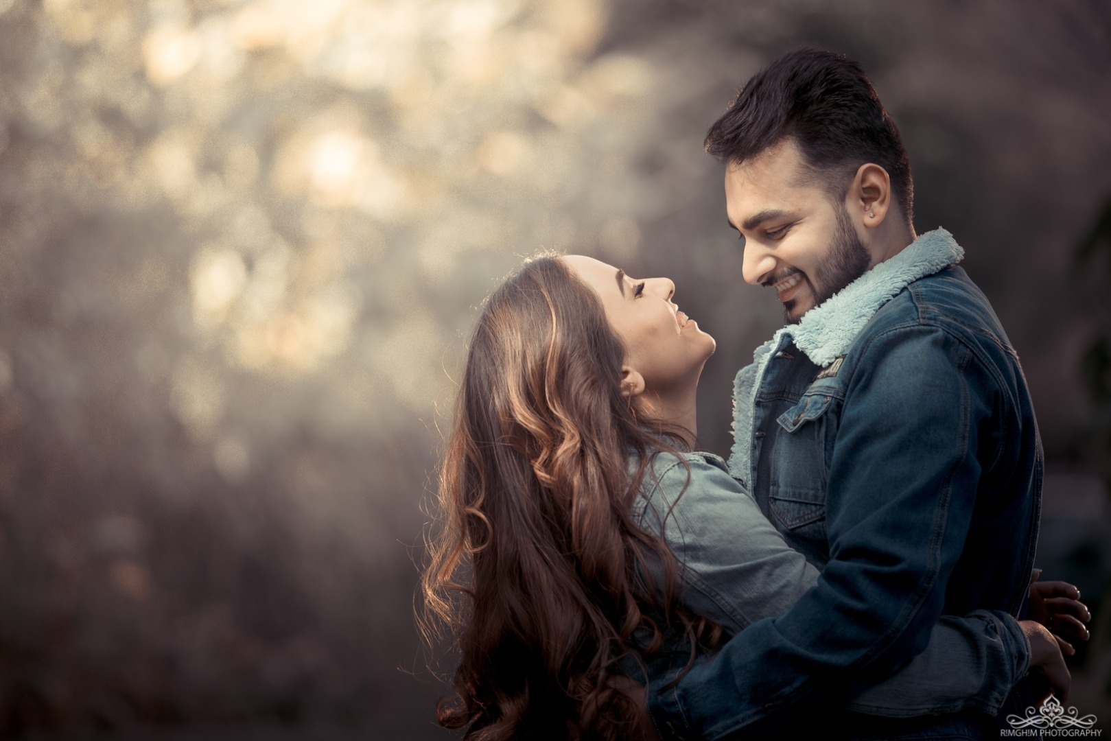 Best Pose Ideas for Your Pre-wedding Shoot