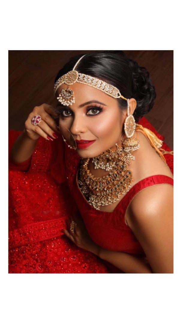 shimmery gold bridal makeup