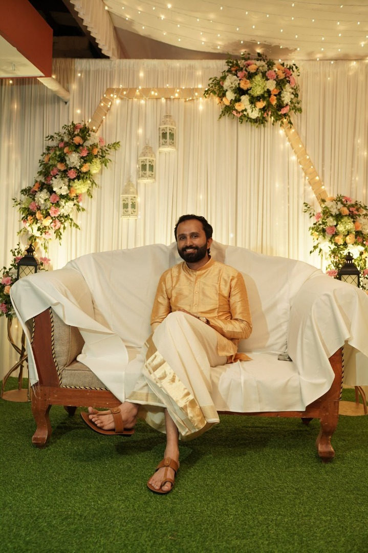 south indian groom in silk lungi